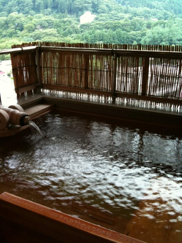 磐梯熱海温泉にいます
